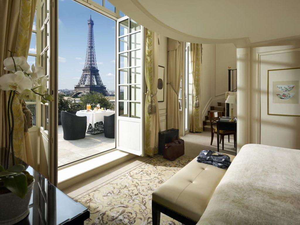 hotell med utsikt til eiffeltårnet
